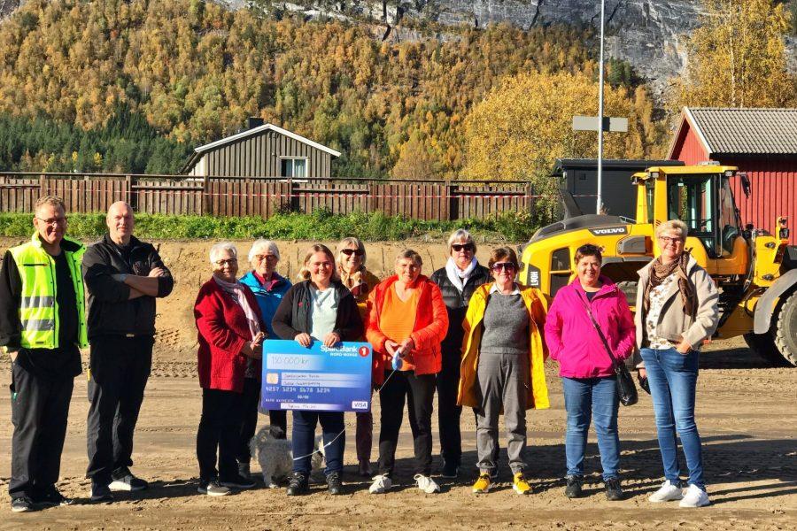 Gave fra Sanitetsforeningen i Saltdal til ny park på Røkland